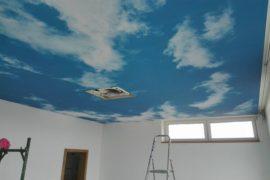 Montáž stropní fólii ve ložnice